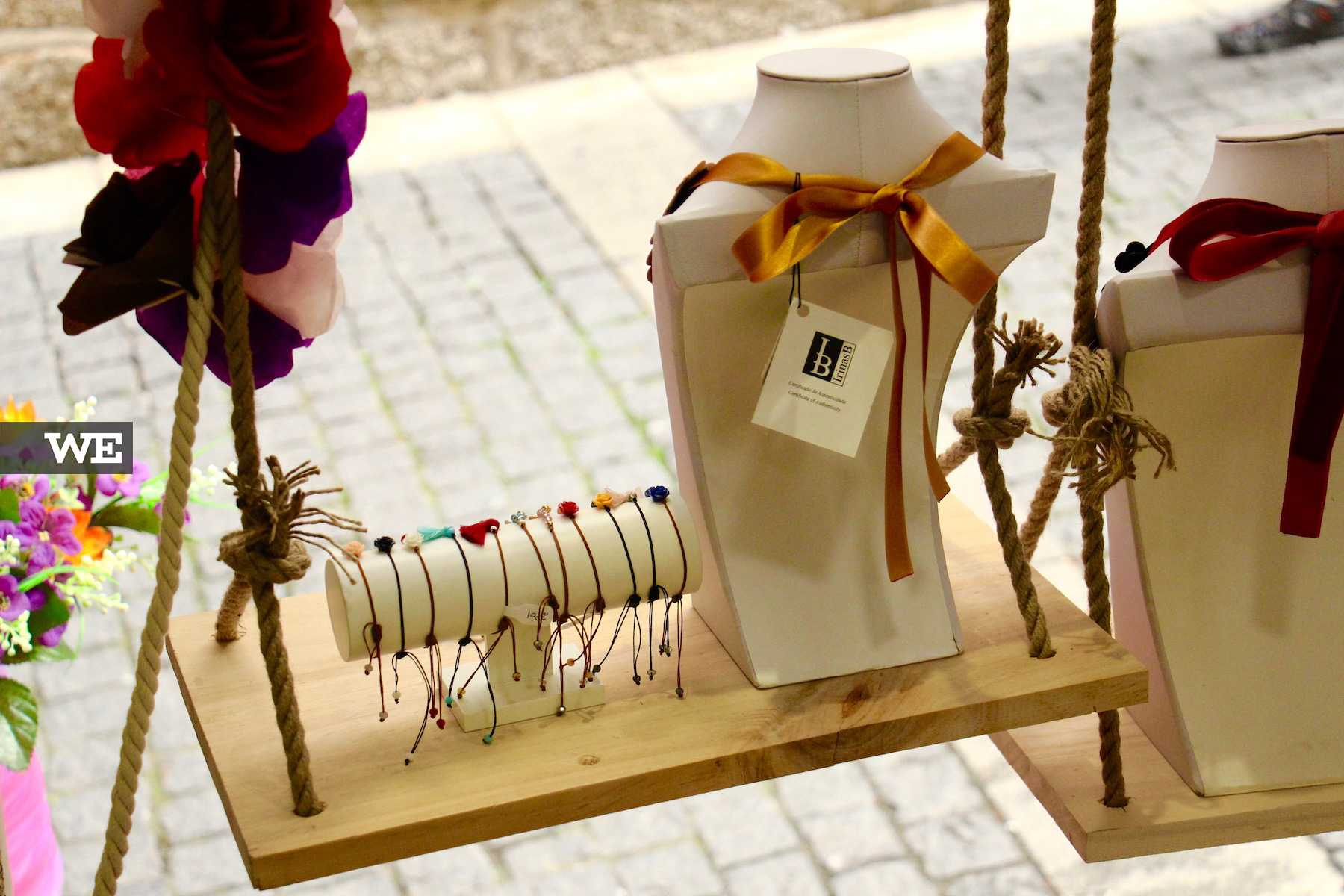 Colares e pulseiras na loja IrinasB