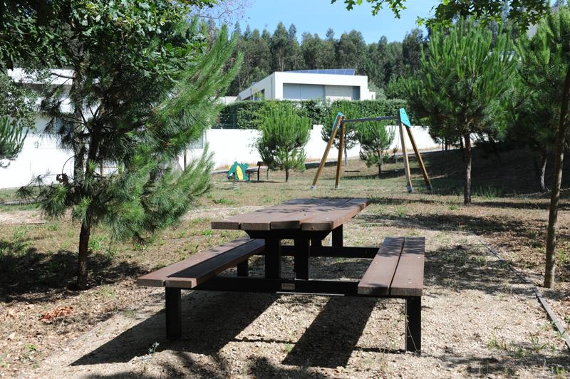 Parque infantil em Stª Leocádia